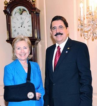 HillaryClintonManuelZelaya-07072009-MeetingAtUSStateDeptInDC-322px-CROP