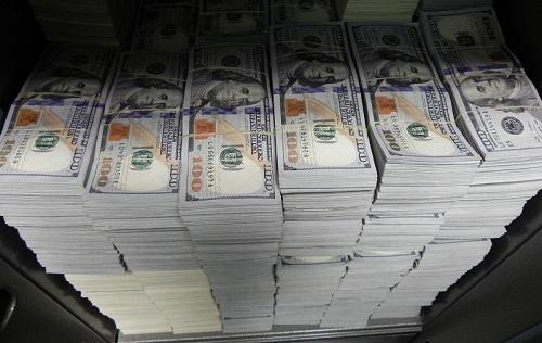 StacksOfHundredDollarBills-FBIRaidLA091014_Cash-FBIdotGov-500px-CROP